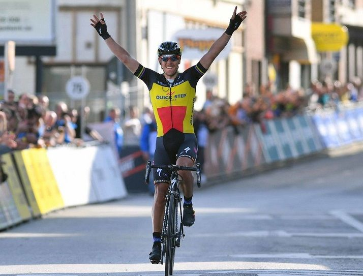Gilbert crushes opposition to win 2017 Tour of Flanders